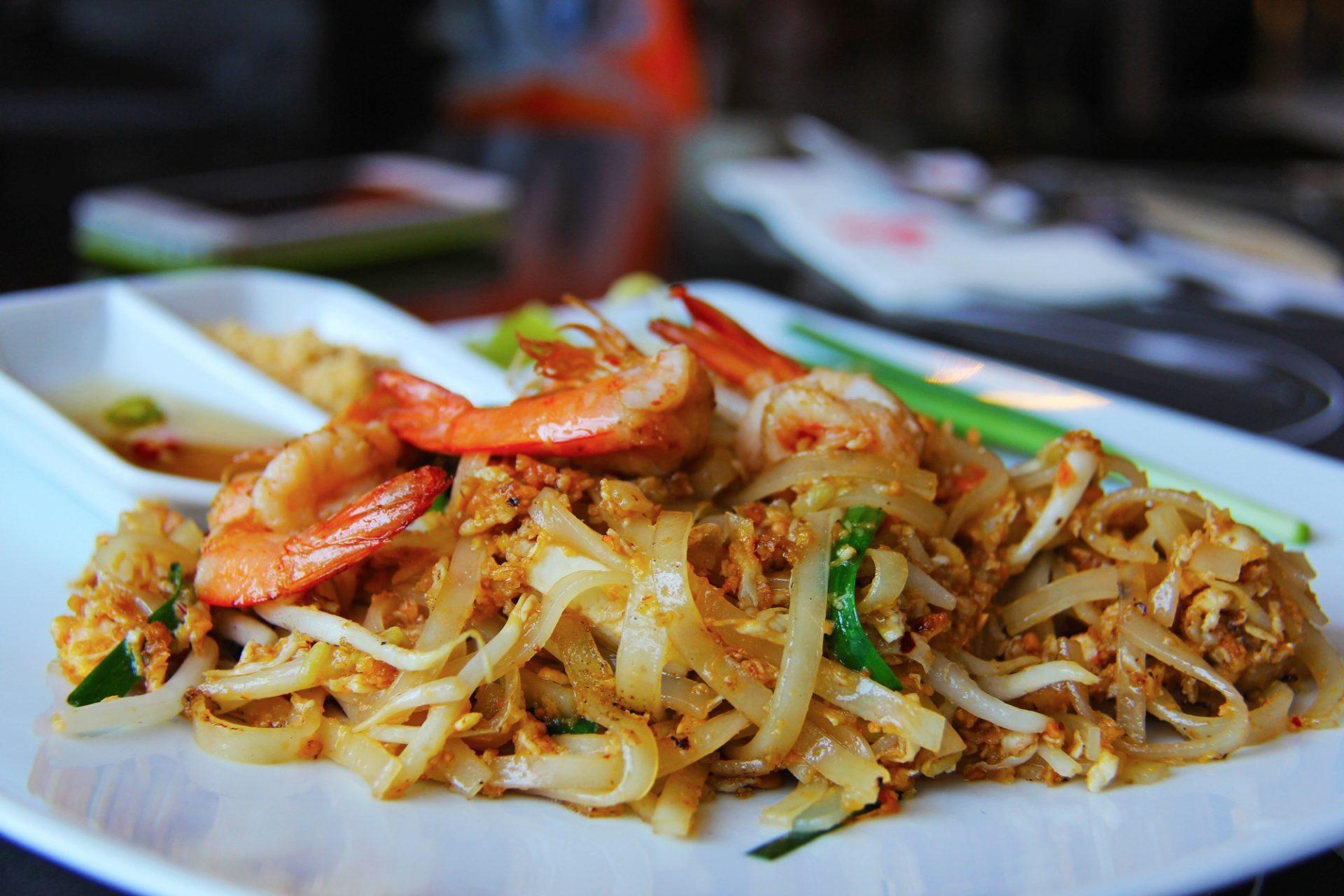 What Does Pad Thai Taste Like?